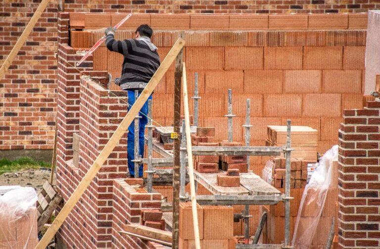 Photo 1 : Construire sans permis peut avoir de lourdes conséquences lors de la revente - Maisons d'en France 01 Meximieux